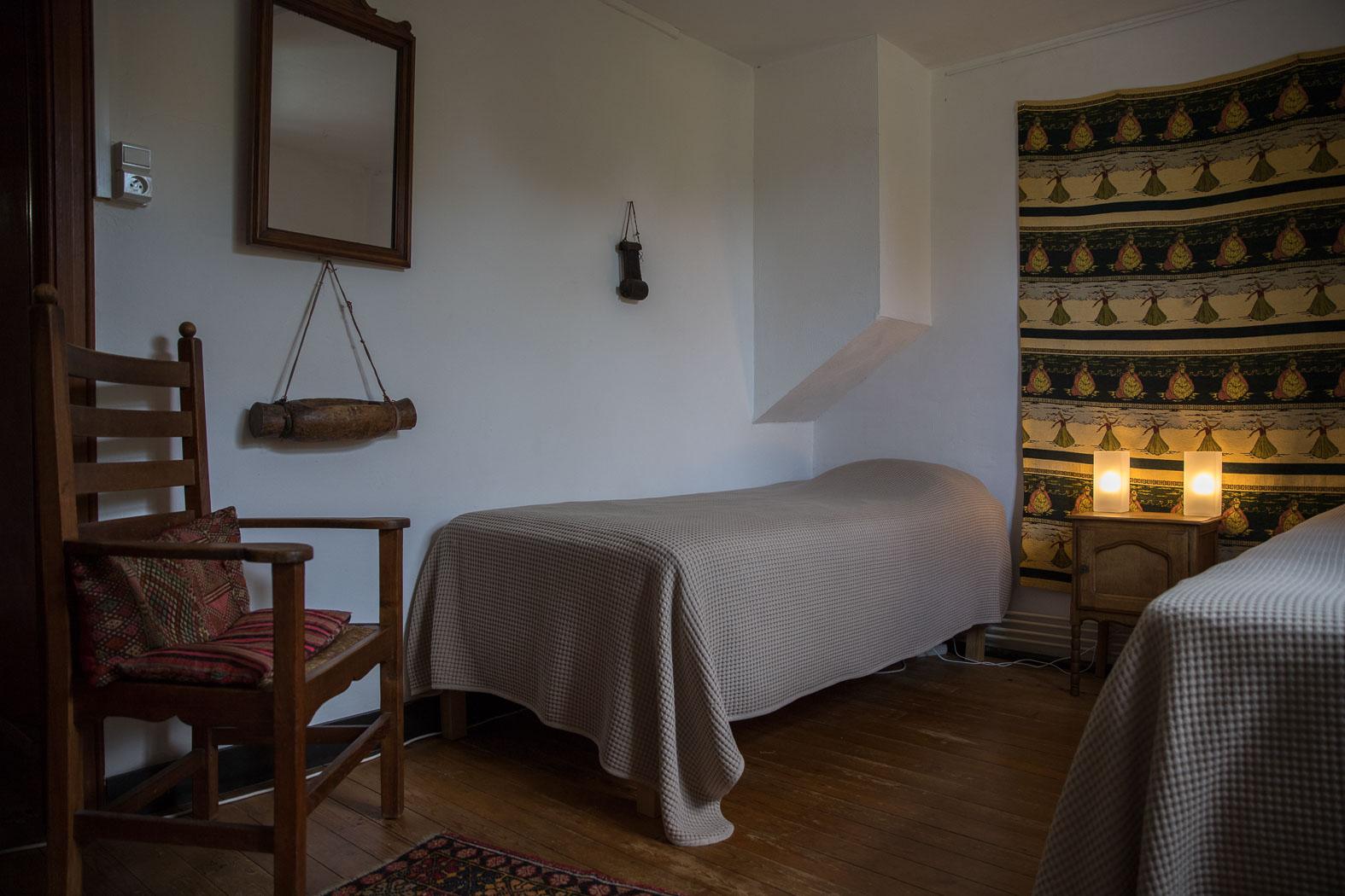 9-Private Room
